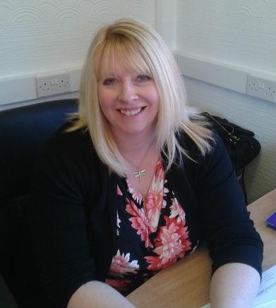 Mrs Elaine Kerr